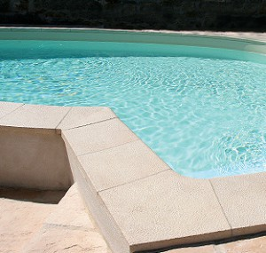 bordaduras para piscinas SOLEO